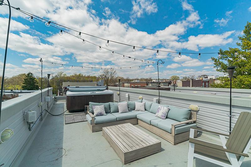 903 N 30th Rooftop