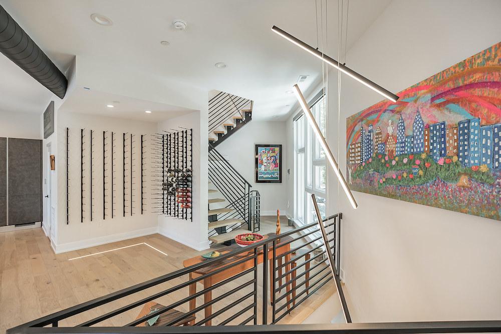 villa-de-francis-1802-francis-street-stairs