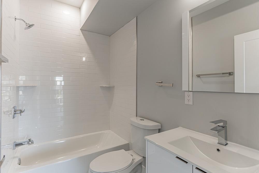 2206 Ridge Ave Bathroom