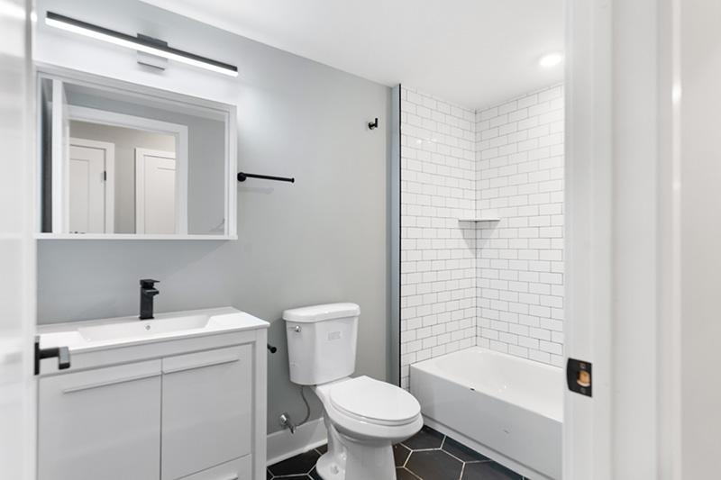 3037 Sedgley Bathroom
