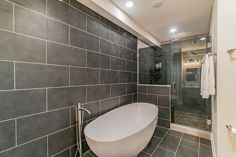 903 N 30th Bathroom