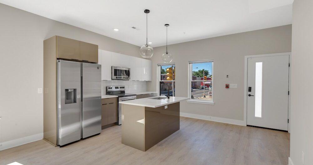 2848-diamond-st-kitchen