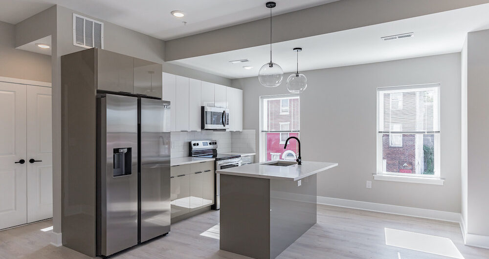 2848-diamond-st-kitchen-fridge