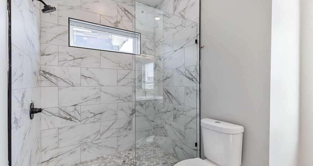2848-diamond-st-shower