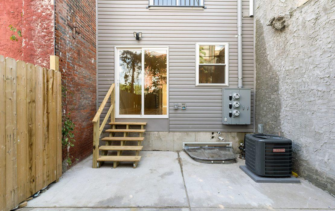 2703 W Glenwood Ave.